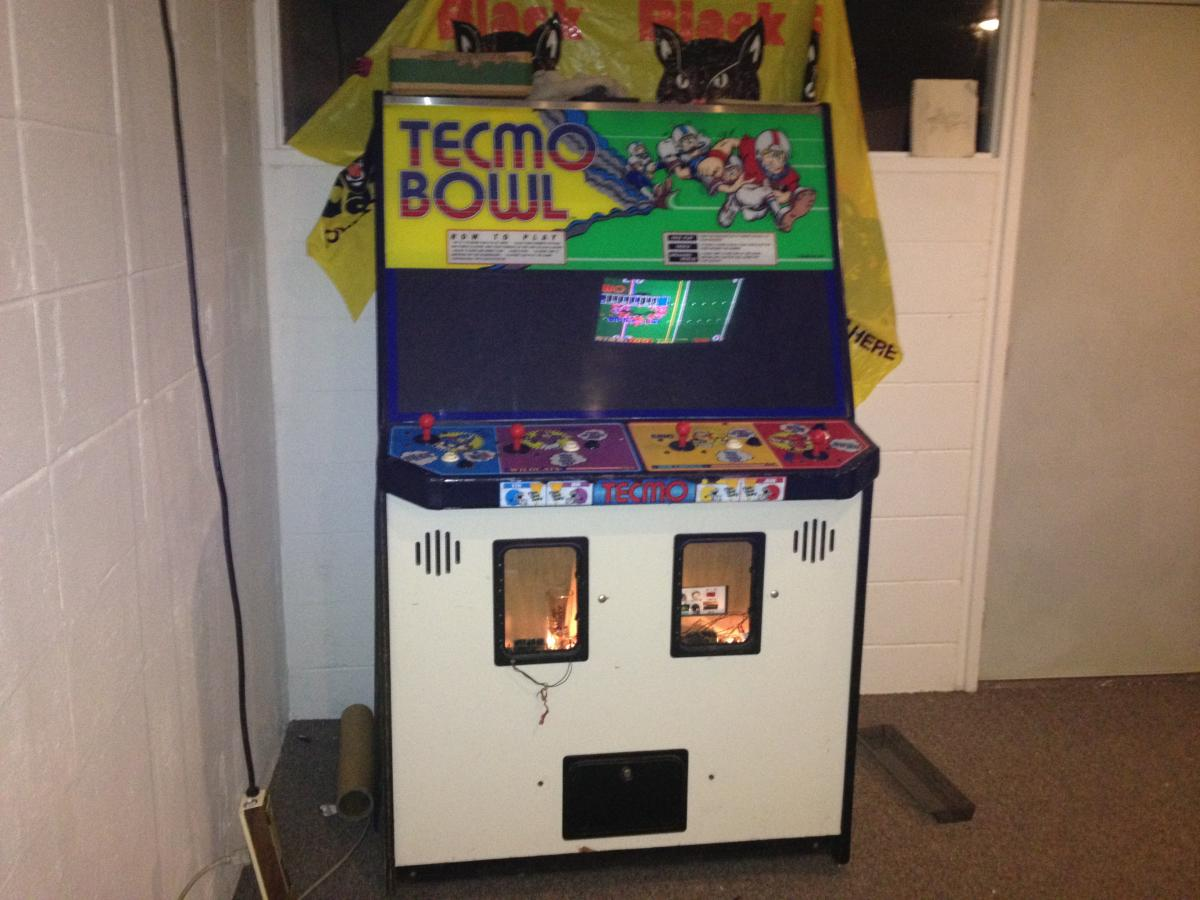 Original Dedicated Working Tecmo Bowl Arcade For Sale 350
